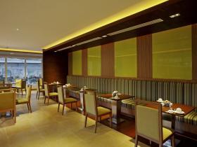 Centara Pattaya Hotel - Mix Bistro 01