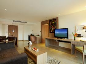 Centara Pattaya Hotel - 1 Bedroom Suite Bldg. B.